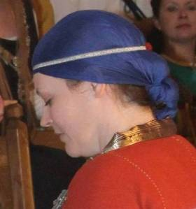 veil and headband